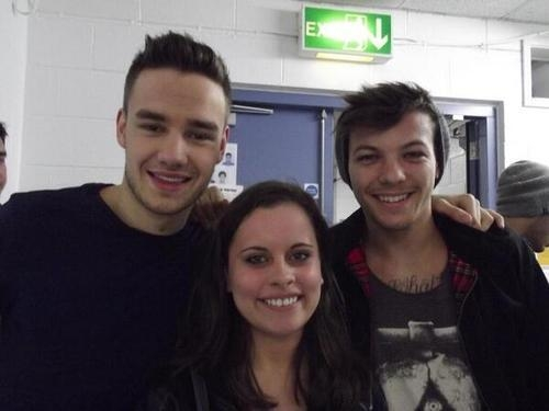 one direction,1d,1d sheffield 14.04.13, liam payne, louis tomlinson, take me home tour backstage, fan