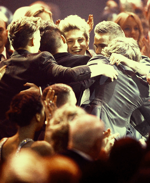 one direction,1d,1d 20.02.13,brit awards 2013,harry styles,liam payne,louis tomlinson,niall horan,zayn malik,one direction global success award