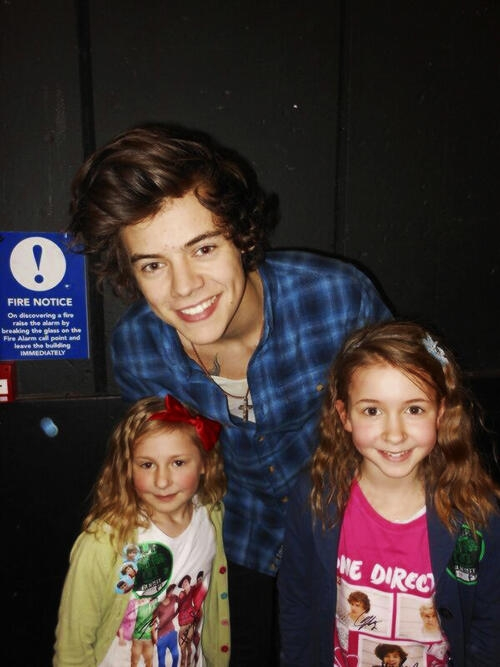 one direction,1d,1d birmingham 23.03.13,harry styles,fans,take me home tour,backstage