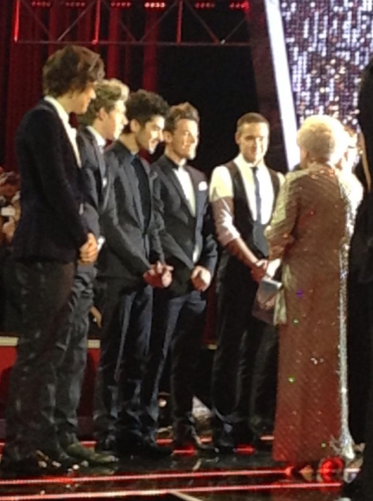 one direction,1d,1d 19.11.12,royal albert hall,harry styles,liam payne,louis tomlinson,niall horan,zayn malik,1d meeting the queen