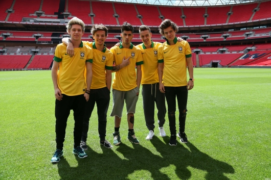 one direction, 1d, 1d wembley stadium 16.05.13, harry styles, liam payne, louis tomlinson, niall horan, zayn malik, #1bigannouncement, press conference, brazil football shirt