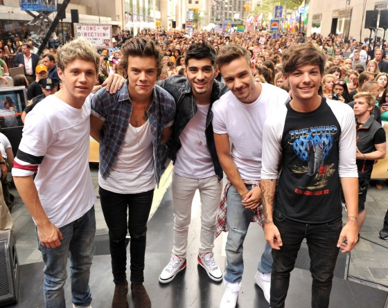 one direction, 1d, one direction 1d firmano un mega accordo con la syco, harry styles, liam payne, louis tomlinson, niall horan, zayn malik, i one direction 1d insieme fino al 2016, one direction 1d tre album in cantiere, one direction 1d greatest hits,