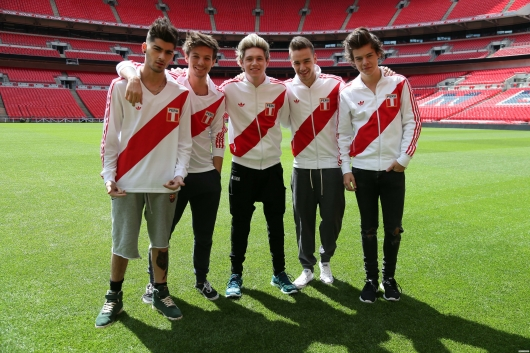 one direction, 1d, 1d wembley stadium 16.05.13, harry styles, liam payne, louis tomlinson, niall horan, zayn malik, #1bigannouncement, press conference, peru football shirt