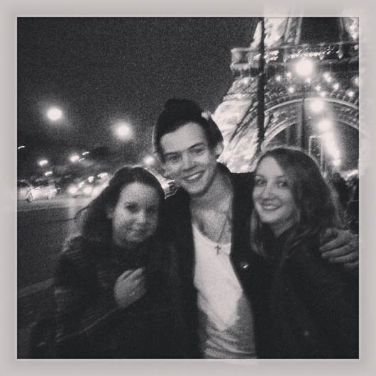 one direction, 1d, 1d 28.04.13, harry styles, harry in paris, fans, tour eiffel, eiffel tower