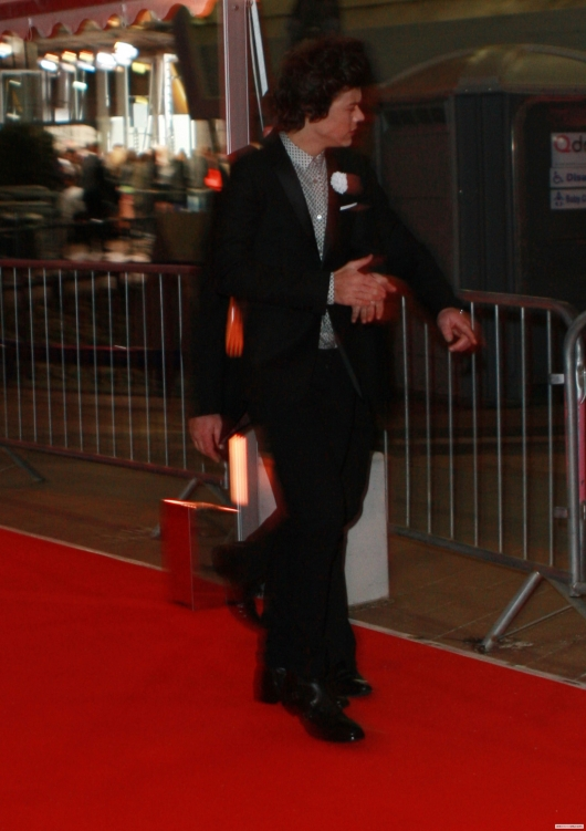 one direction,1d,1d 20.02.13,brit awards 2013,harry styles,red carpet