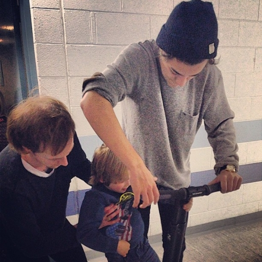 one direction,1d,1d sheffield 14.04.13,harry styles,take me home tour backstage, segway, tom atkin
