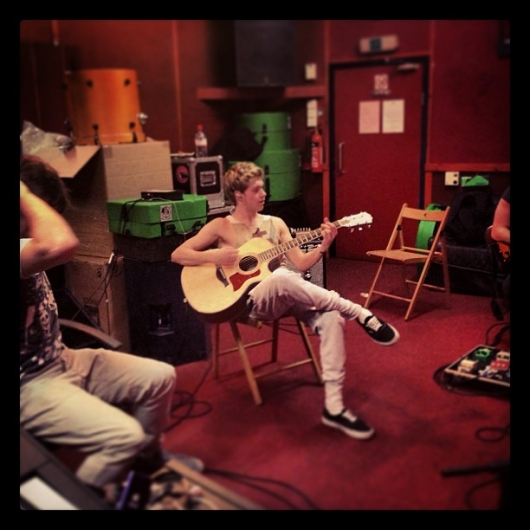 one direction,1d,1d 10.01.13, niall horan,guitar, rehearsals, take me home tour, band rehearsals, prove