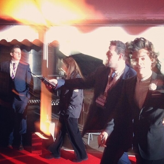 one direction,1d,1d 20.02.13,brit awards 2013,harry styles, red carpet