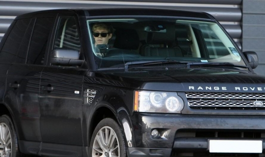 one direction,1d, 1d 31.01.13, niall horan, niall driving