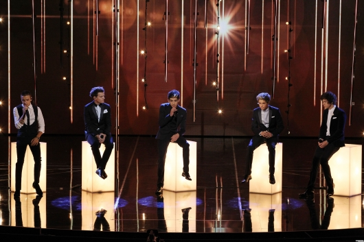 one direction,1d,1d 19.11.12,royal variety show 2012,harry styles,liam payne,louis tomlinson,niall horan,zayn malik,little things