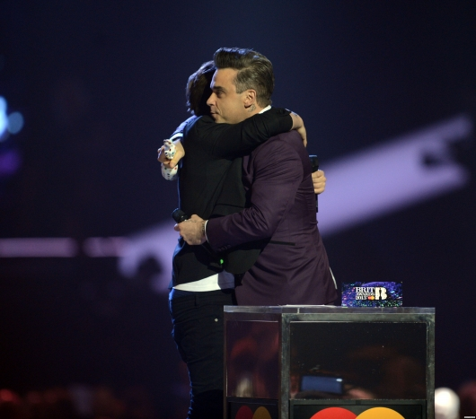 one direction, 1d, 1d 20.02.13, brit awards 2013, louis tomlinson, robbie williams, global success award