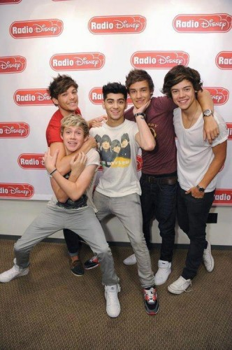 one direction,1d,harry styles,liam payne,louis tomlinson,niall horan,zayn malik,radio disney,radio disney interview preview,intervista radio disney anteprima,ally simpson,1d usa,1d us,1d on the road,more than this live,more than this acoustic,1d radio disney interview,1d intervista radio disney,1d radio disney entrevista,1d radio disney full interview,1d radio disney intervista completa,1d about the tour,1d parlano del tour,1d musical inspiration,elvis presley harry,chris martin coldplay harry,beatles liam louis,bon jovi niall,frank sinatra niall,michael jackson usher neyo zayn,what makes you beautiful acoustic,what makes you beautiful live,1d radio disney take over