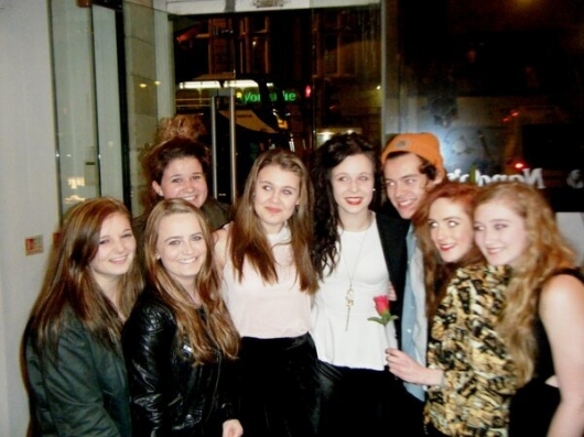 one direction,1d,1d yorkshire 14.02.13,harry styles,fans, group photo, foto di gruppo