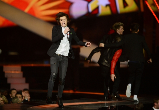 one direction,1d,1d 20.02.13,brit awards 2013,harry styles,1d performing one way or another