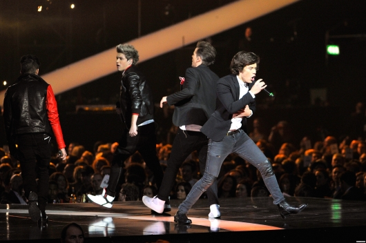 one direction,1d,1d 20.02.13,brit awards 2013,harry styles,liam payne,louis tomlinson,niall horan,zayn malik,1d performing one way or another