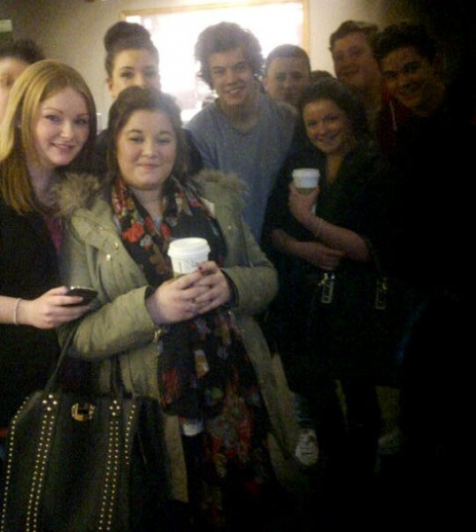 one direction,1d, 1d 18.02.13, harry styles, fans