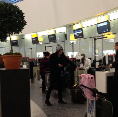 one direction,1d, 1d 28.12.12, harry styles, heathrow, airport, aeroporto