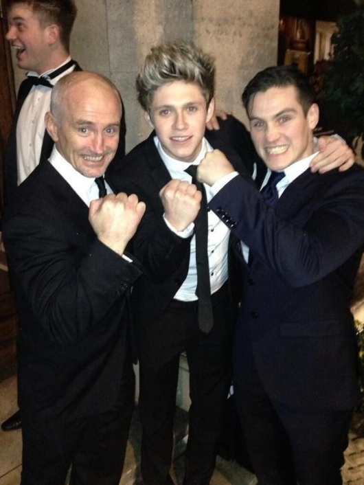 one direction,1d,1d 18.03.13,niall horan,tuxedo, vestito elegante