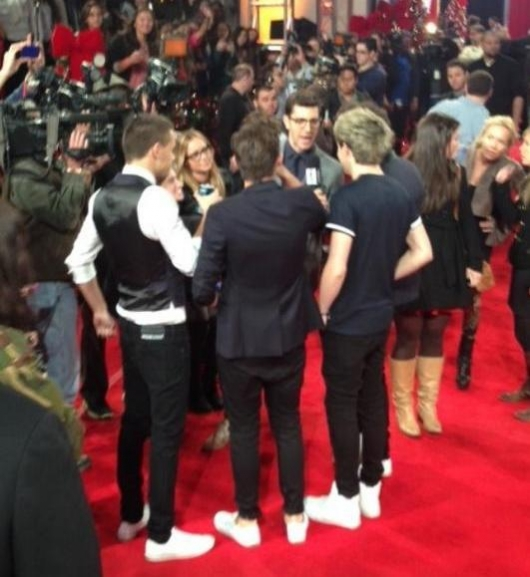 one direction,1d,1d los angeles la 20.12.12,x factor usa,backstage,harry styles,liam payne,louis tomlinson,niall horan,zayn malik