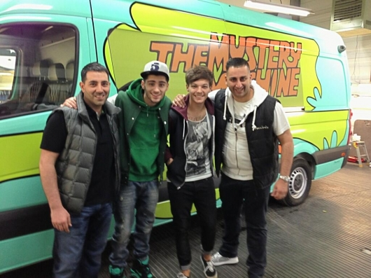 one direction, 1d, 1d 28.04.13, louis tomlinson, zayn malik, mystery machine