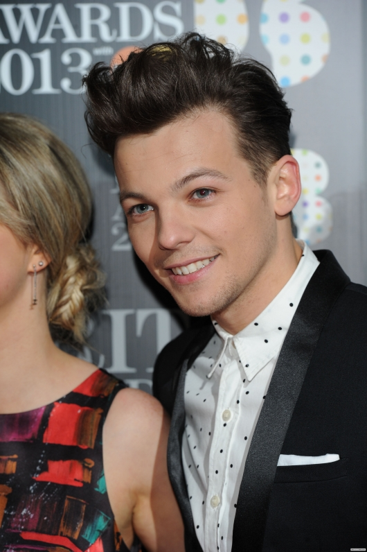 one direction,1d,1d 20.02.13,brit awards 2013,louis tomlinson,red carpet