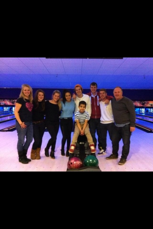 one direction,1d,1d 26.12.12,harry styles,bowling,friends