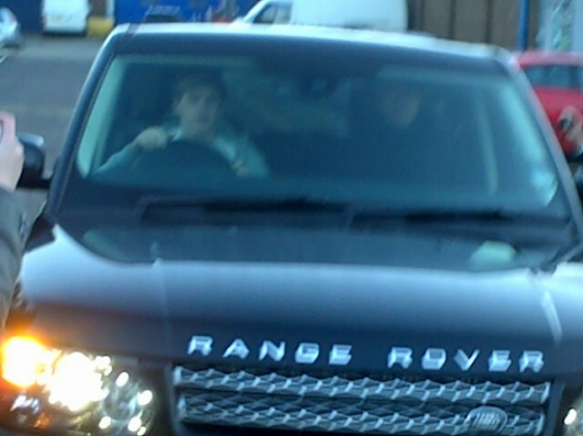 one direction,1d,1d yorkshire 14.02.13,niall horan,niall driving, niall che guida