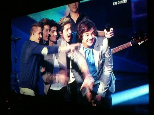 one direction,1d,1d cannes 26.01.13,nrj awards 2013,harry styles,liam payne,louis tomlinson,niall horan,zayn malik,group photo, on stage