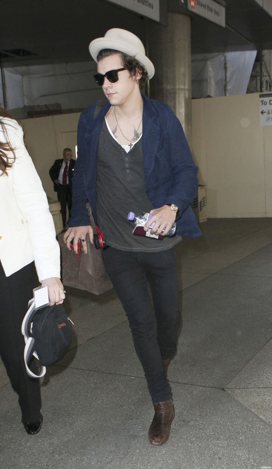 one direction,1d,1d 23.04.13, harry styles, harry in los angeles la lax airport